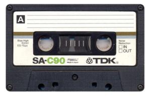 Eerste generatie TDK SA C90 cassette bandje.