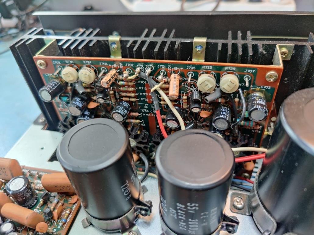 Marantz 1060 revisie Vintage Audio Repair 15 1