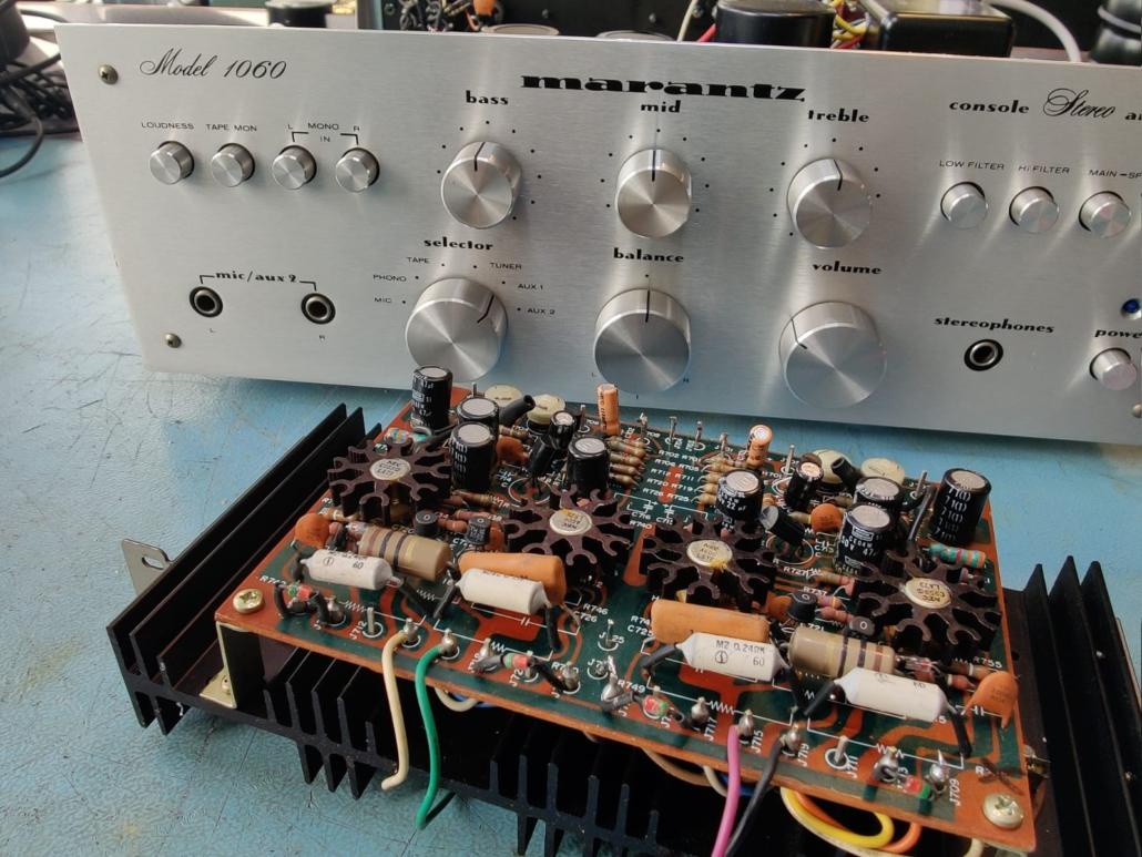 Marantz 1060 revisie Vintage Audio Repair 3 1