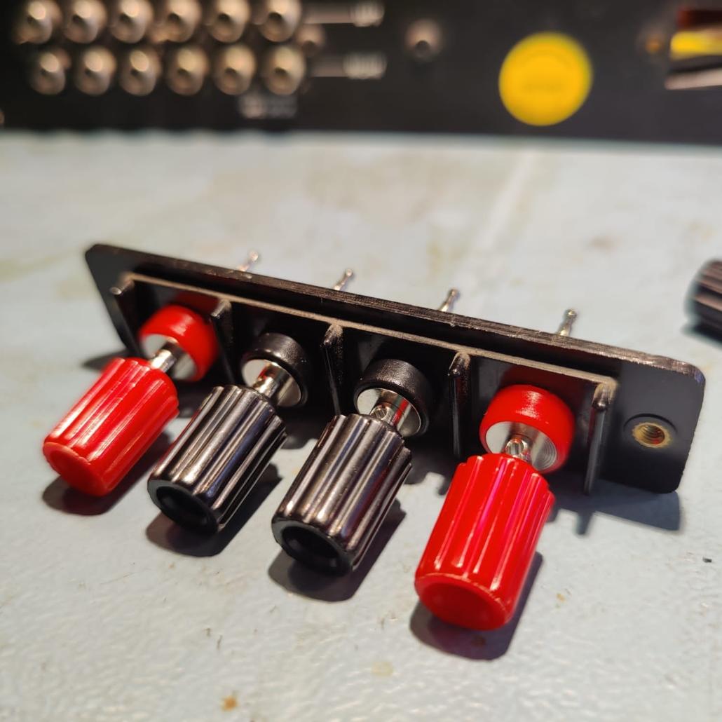 Luxman L30 L31 speakerterminals Vintage Audio Repair 8