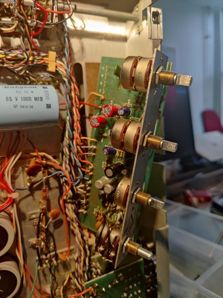H.H. Scott R75S Vintage Audio Repair 1