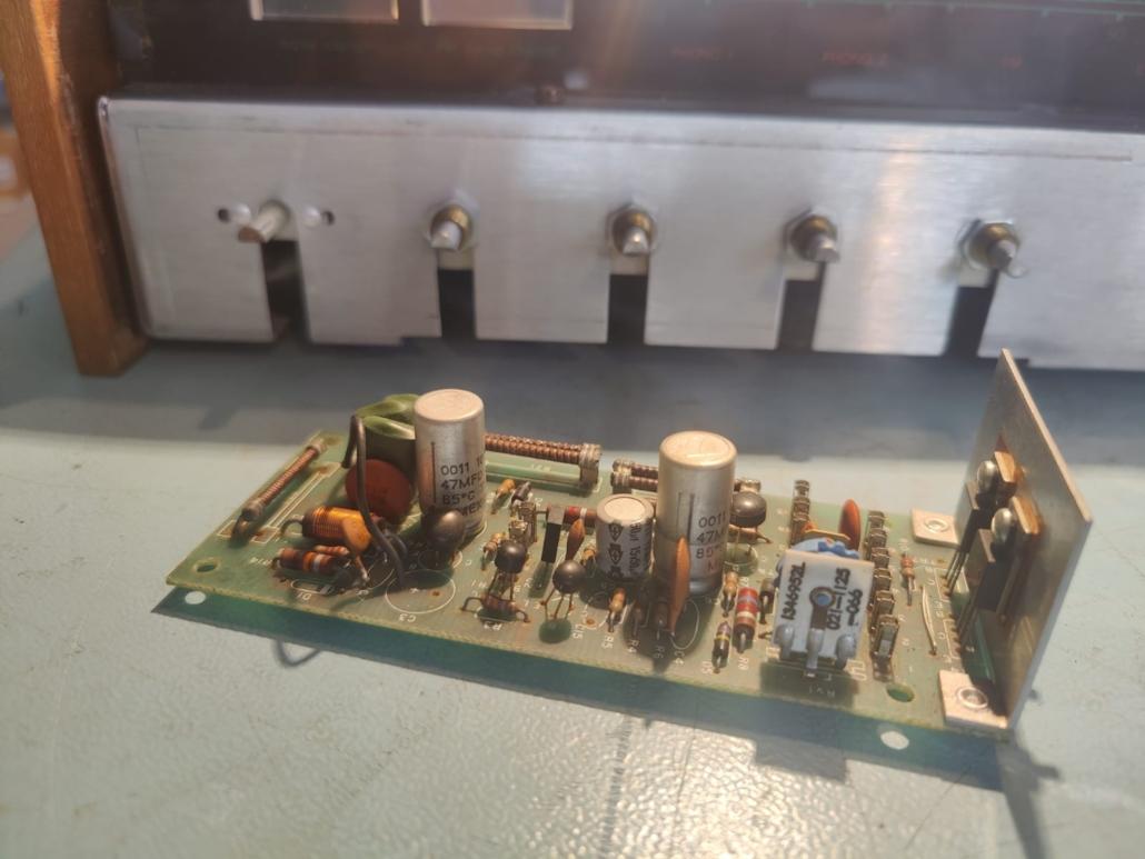 H.H. Scott R75S Vintage Audio Repair 2