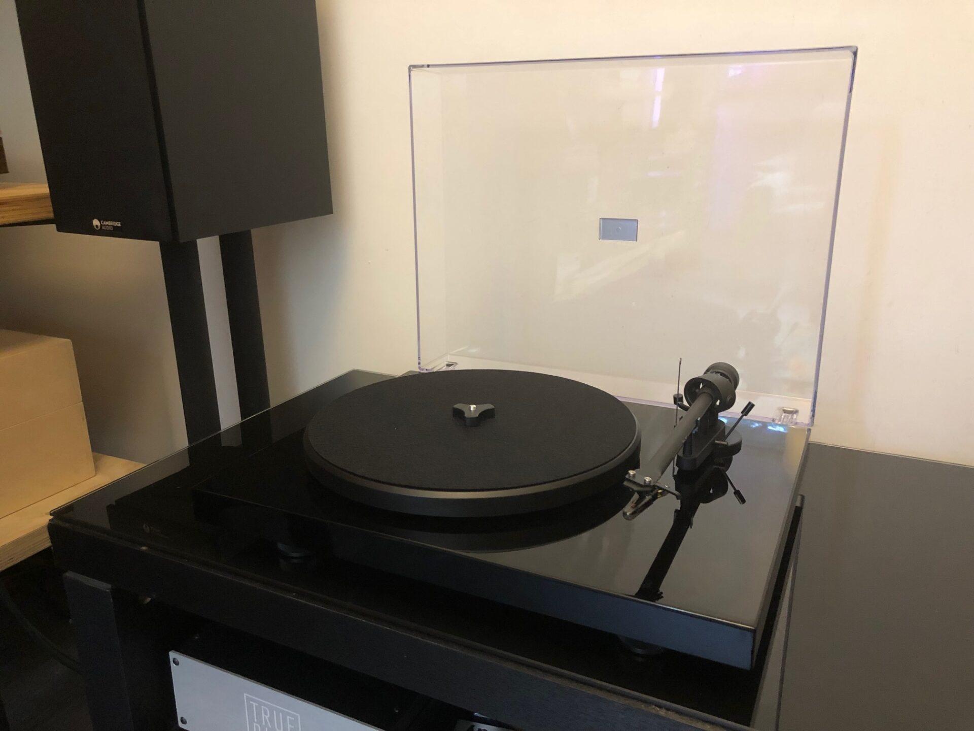 Project Debut III DC om5e Vintage Audio Repair 9